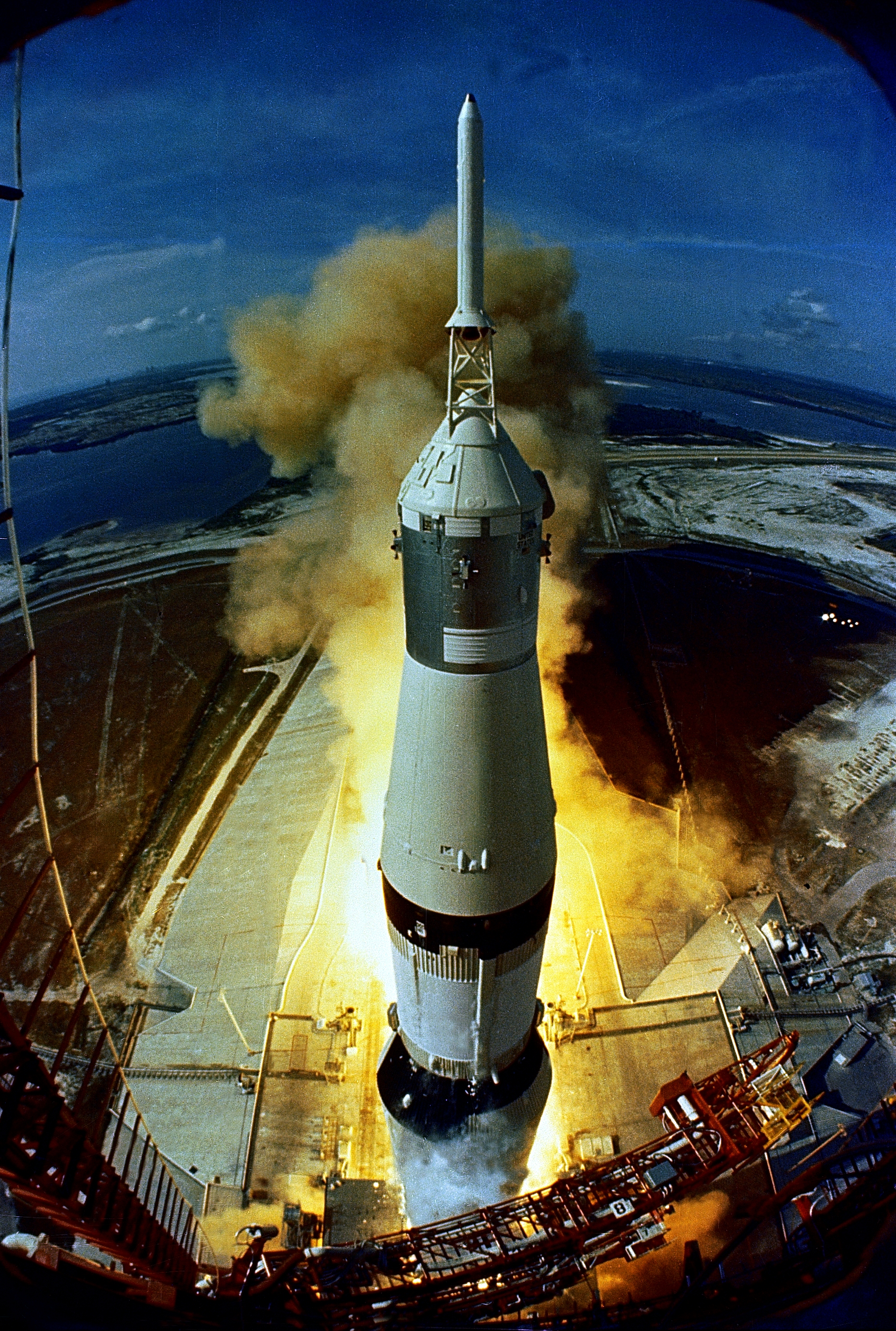 apollo space flights launched - photo #28